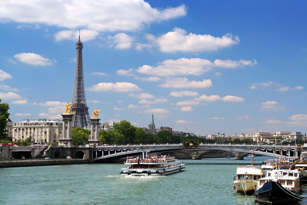 Paris, boat cruising